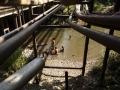 AMAZONÍA, ECUADOR. ENERO 04. The ecuadorians thats live in the amazon region are accostummed to live within the petroleum pipes . (Photo by Edu León)