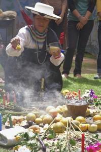 Ceremonia de celebración de Nueva Era el 21 diciembre. Acción Ecológica
